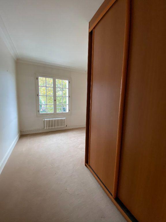 Appartement à louer 4 92.35m2 à Tours vignette-9