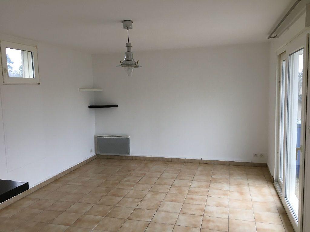 Appartement à louer 2 52.45m2 à Saint-Cyr-sur-Loire vignette-6