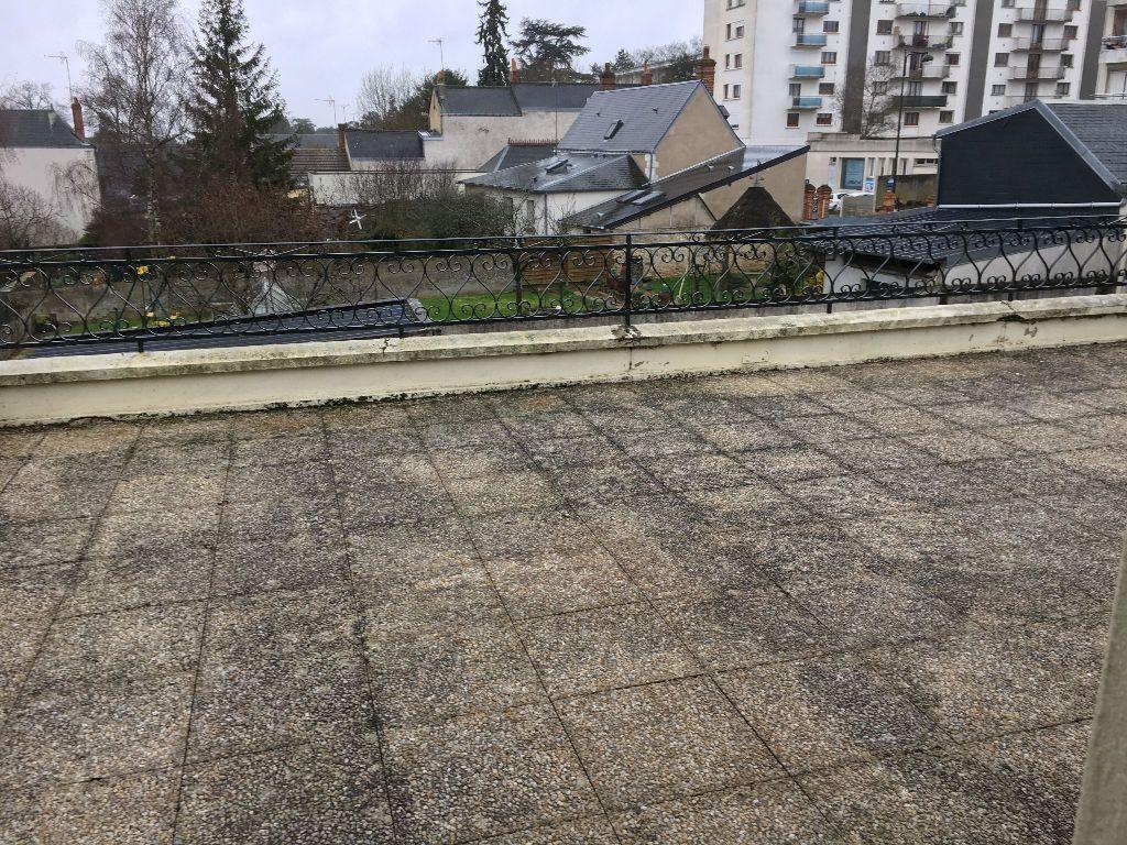 Appartement à louer 2 52.45m2 à Saint-Cyr-sur-Loire vignette-7