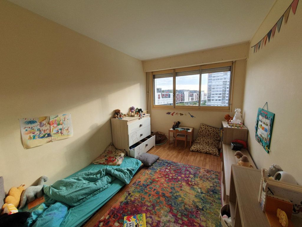 Appartement à louer 4 83.74m2 à Tours vignette-4