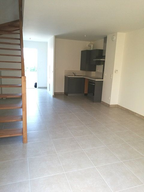 Maison à louer 3 60.05m2 à Notre-Dame-d'Oé vignette-6