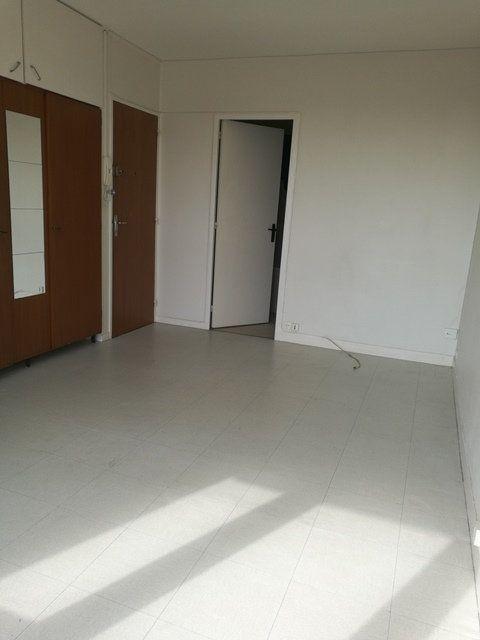 Appartement à louer 1 22.7m2 à Tours vignette-1