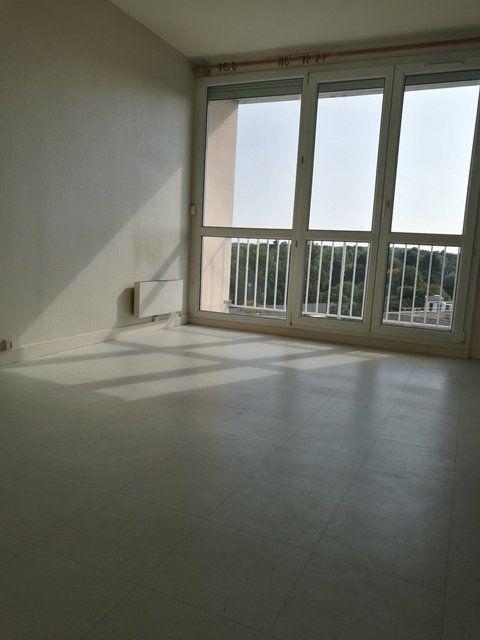 Appartement à louer 1 22.7m2 à Tours vignette-3