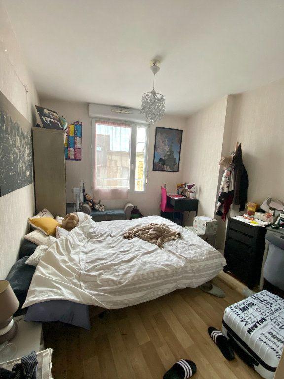 Appartement à louer 4 77.43m2 à Tours vignette-4