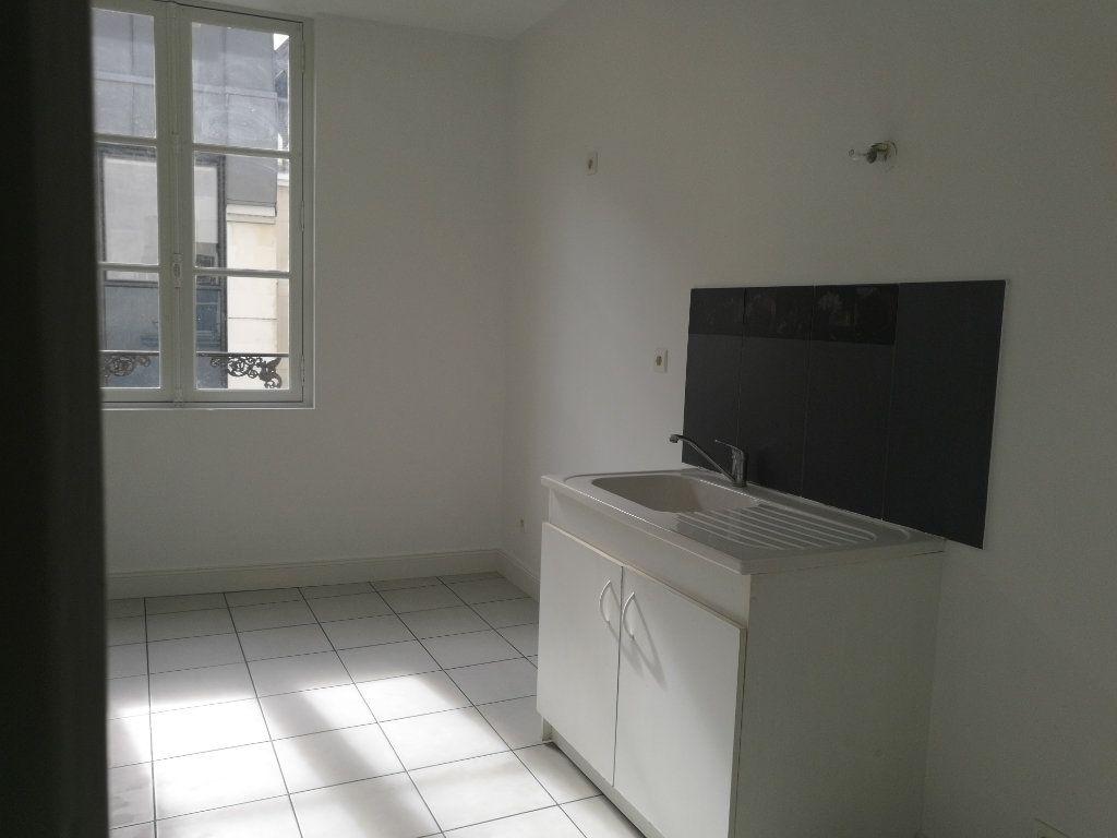 Appartement à louer 3 72.5m2 à Tours vignette-3