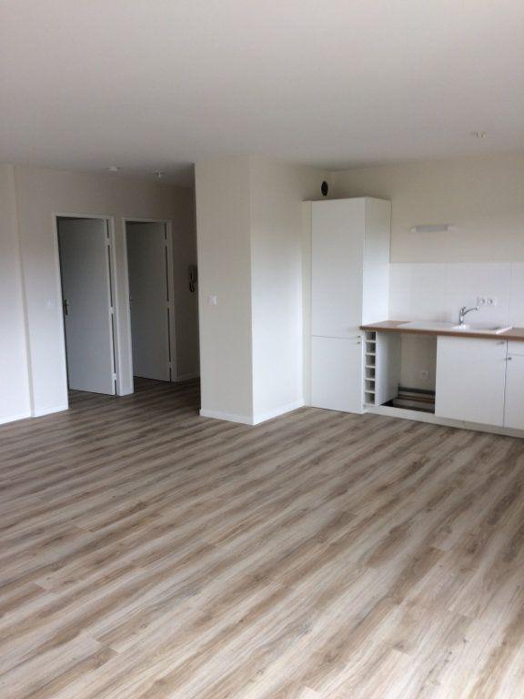Appartement à louer 3 74.11m2 à Saint-Cyr-sur-Loire vignette-3