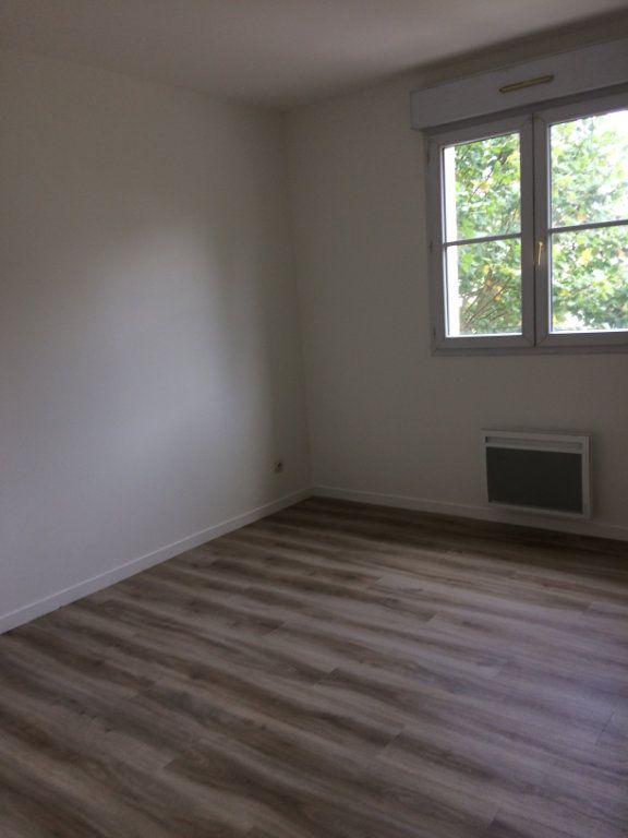 Appartement à louer 3 74.11m2 à Saint-Cyr-sur-Loire vignette-5