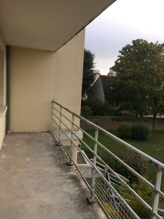 Appartement à louer 3 74.11m2 à Saint-Cyr-sur-Loire vignette-7