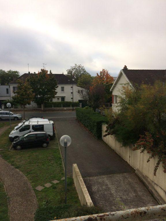 Appartement à louer 3 74.11m2 à Saint-Cyr-sur-Loire vignette-9