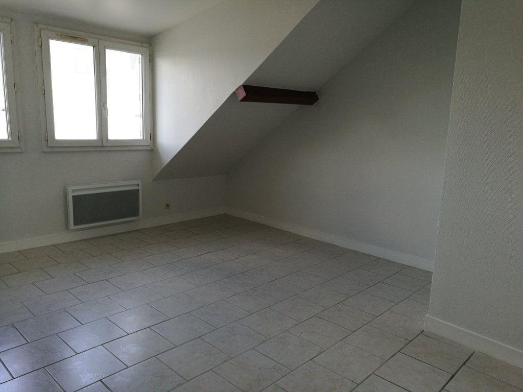 Appartement à louer 3 37m2 à Tours vignette-2