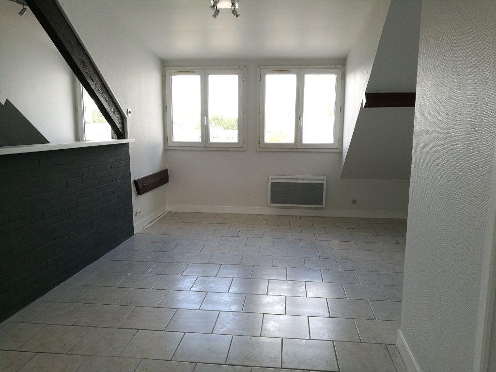 Appartement à louer 3 37m2 à Tours vignette-4