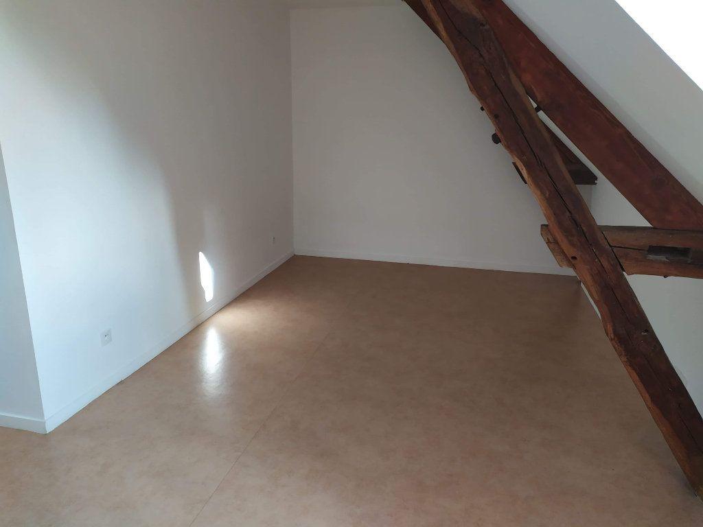 Appartement à louer 4 103.01m2 à Chinon vignette-4