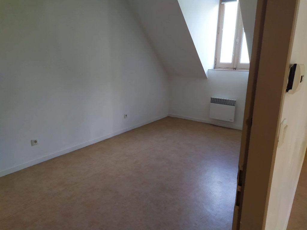 Appartement à louer 4 103.01m2 à Chinon vignette-6