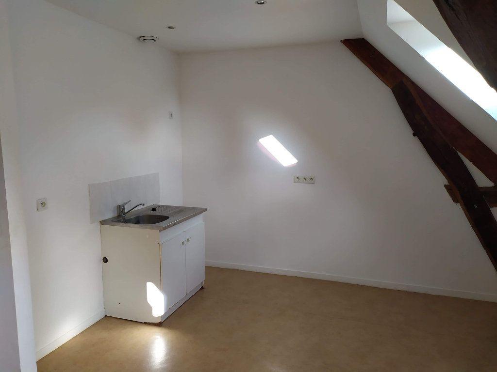 Appartement à louer 4 103.01m2 à Chinon vignette-7