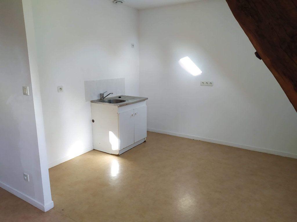 Appartement à louer 4 103.01m2 à Chinon vignette-10