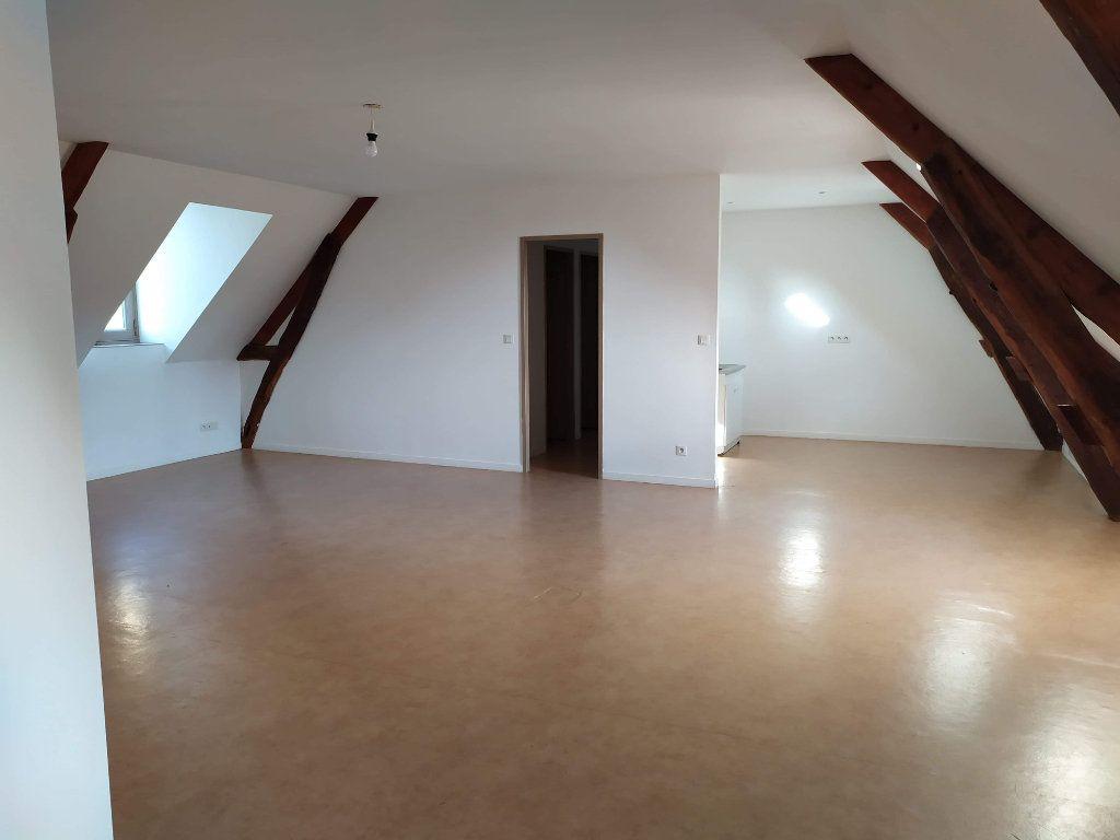 Appartement à louer 4 103.01m2 à Chinon vignette-12