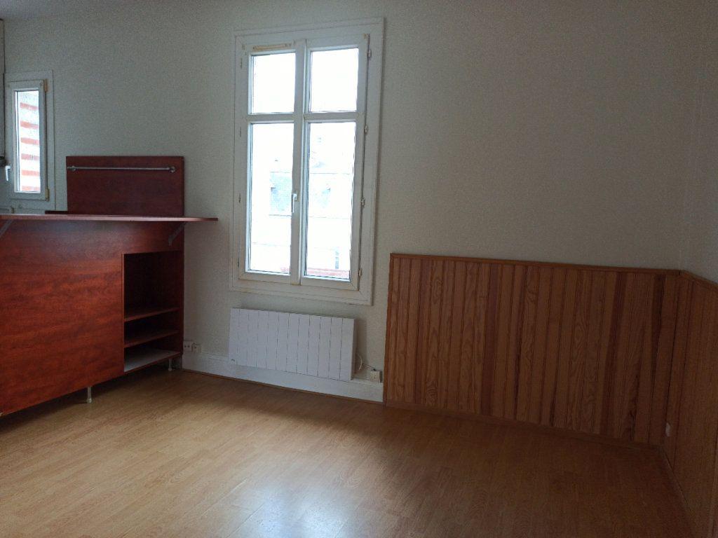 Appartement à louer 2 30.59m2 à Tours vignette-3