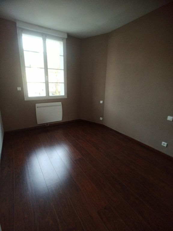 Appartement à louer 3 57.08m2 à Saint-Pierre-des-Corps vignette-4