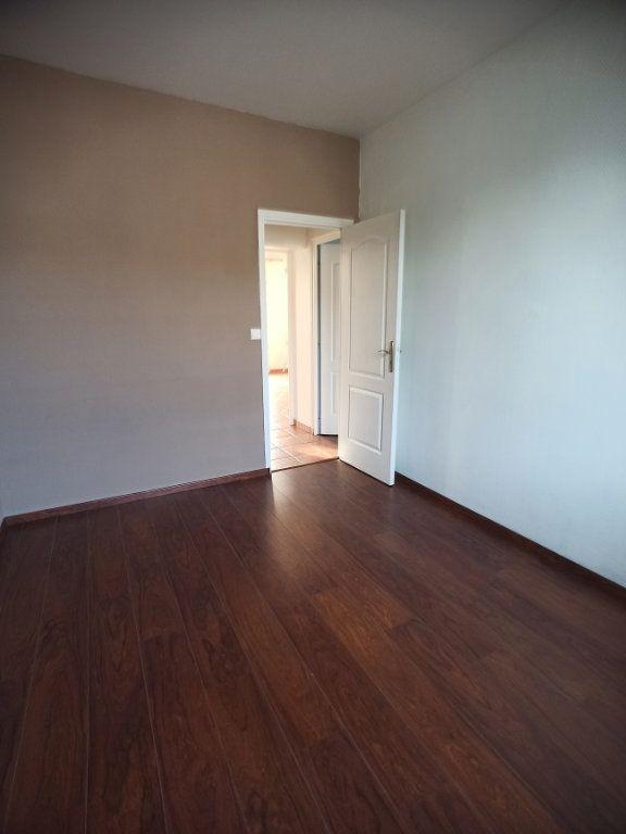 Appartement à louer 3 57.08m2 à Saint-Pierre-des-Corps vignette-5