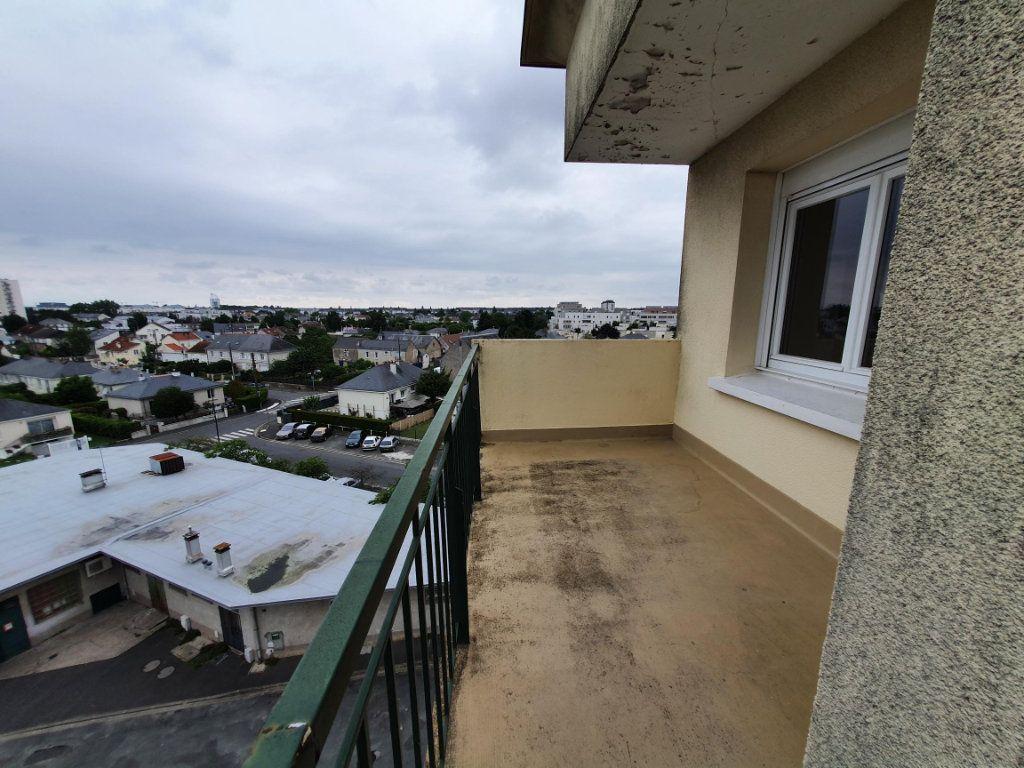 Appartement à louer 3 65.14m2 à Tours vignette-7