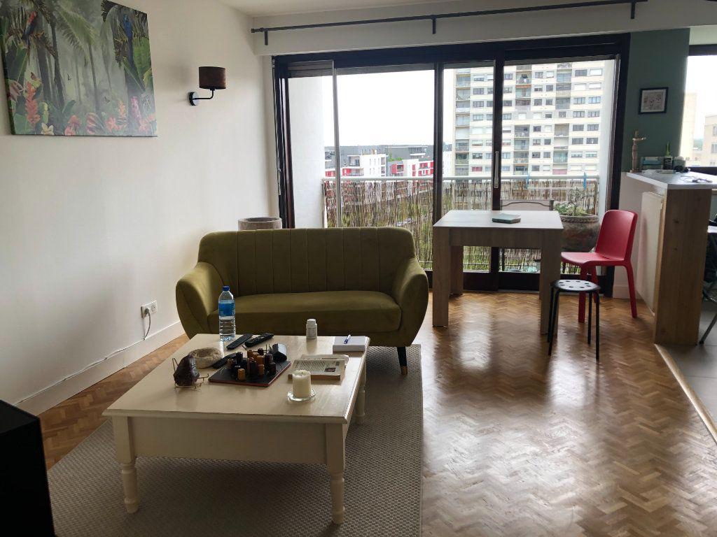 Appartement à louer 3 75.27m2 à Tours vignette-3