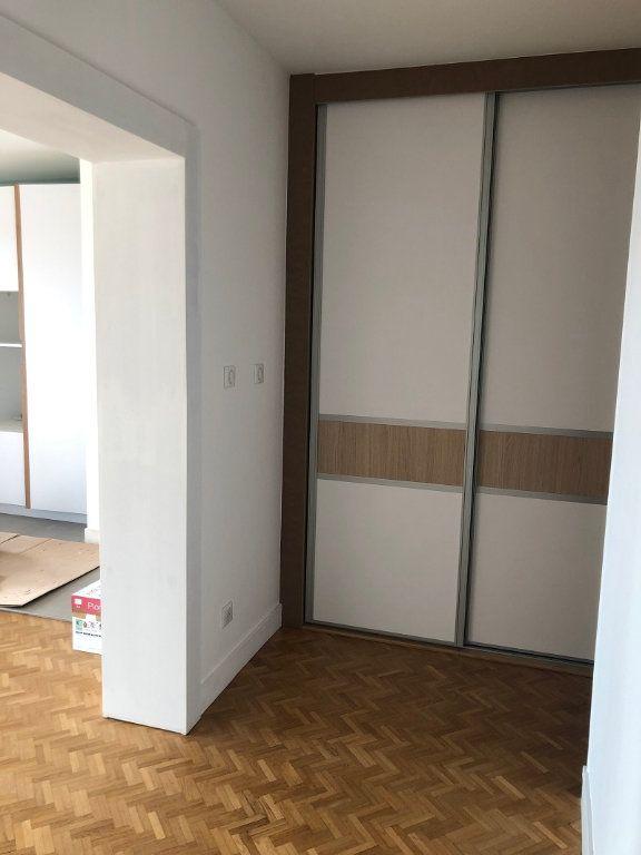 Appartement à louer 3 75.27m2 à Tours vignette-5
