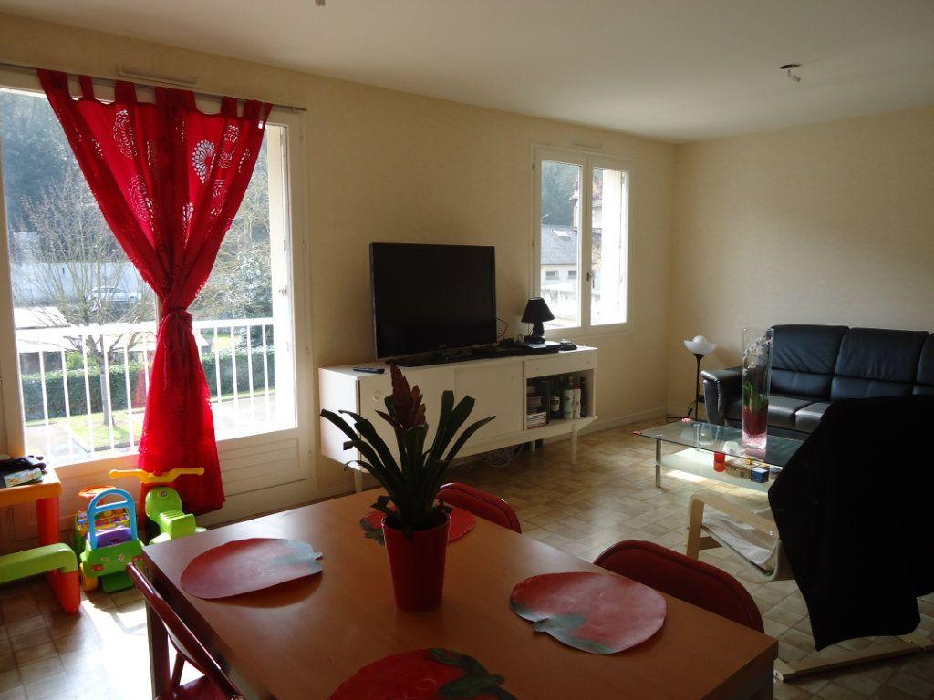 Appartement à louer 4 90.34m2 à Saint-Avertin vignette-2