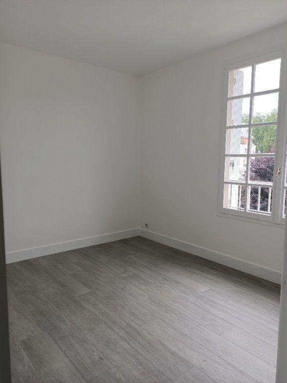 Appartement à louer 3 62.77m2 à Tours vignette-6