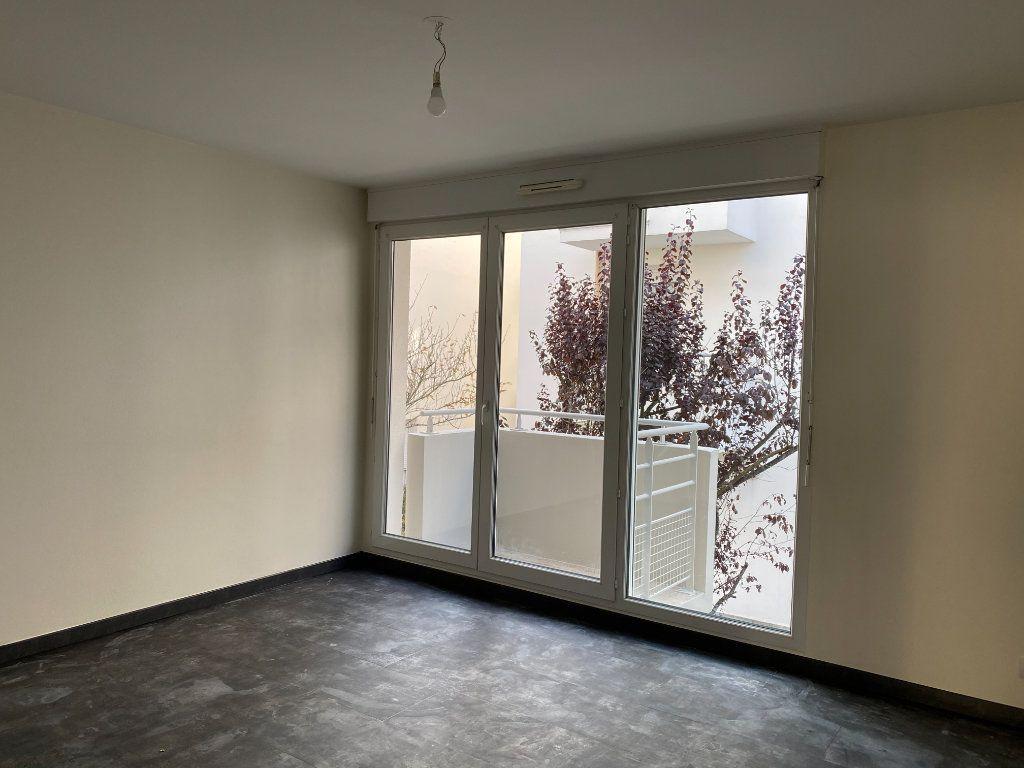 Appartement à louer 2 35m2 à Tours vignette-2