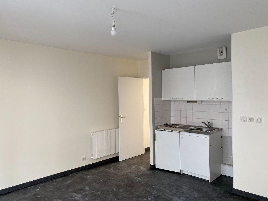 Appartement à louer 2 35m2 à Tours vignette-3