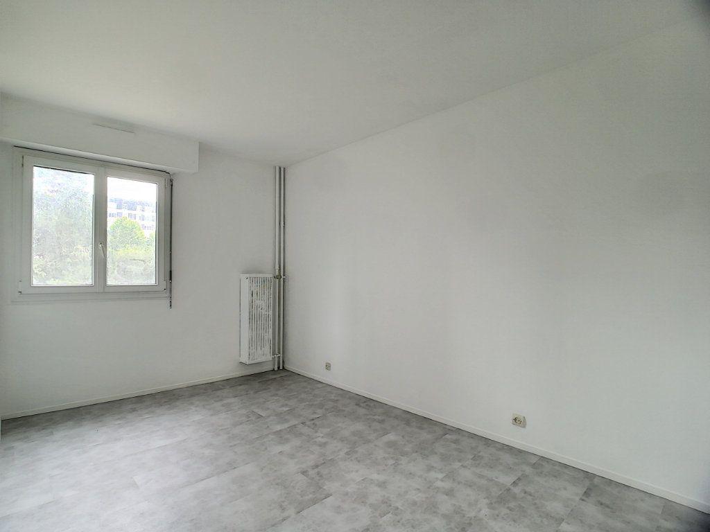Appartement à vendre 3 66.18m2 à Tours vignette-4