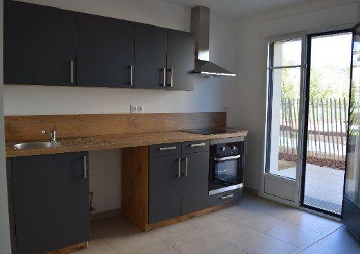 Appartement à louer 3 60.61m2 à Saint-Cyr-sur-Loire vignette-1