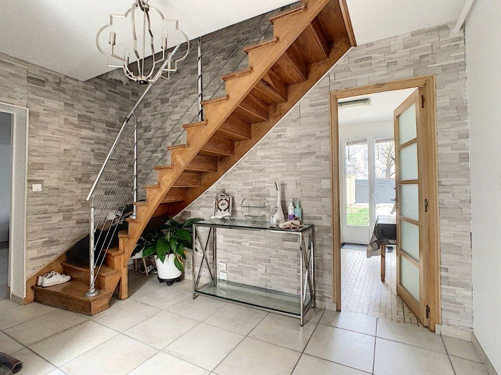 Maison à vendre 5 128m2 à Saint-Pierre-des-Corps vignette-1