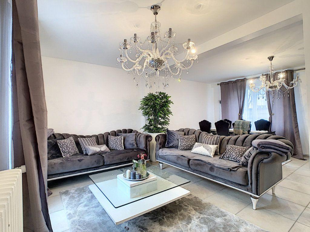 Maison à vendre 5 128m2 à Saint-Pierre-des-Corps vignette-2