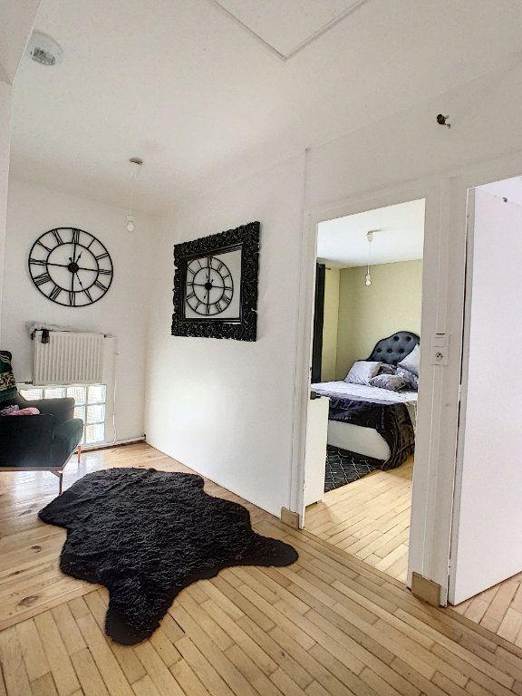 Maison à vendre 5 128m2 à Saint-Pierre-des-Corps vignette-3