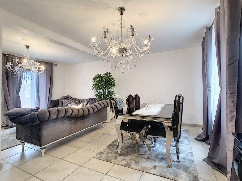 Maison à vendre 5 128m2 à Saint-Pierre-des-Corps vignette-5