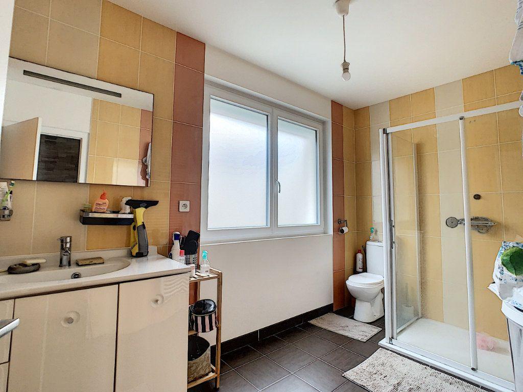 Maison à vendre 5 128m2 à Saint-Pierre-des-Corps vignette-6