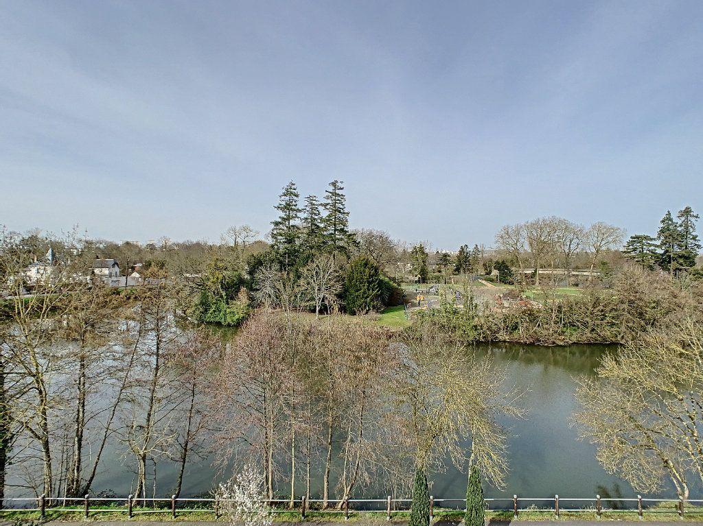Appartement à vendre 3 75.89m2 à Saint-Avertin vignette-6