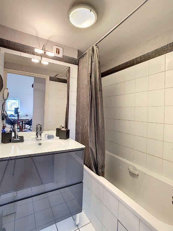 Appartement à vendre 3 75.89m2 à Saint-Avertin vignette-9