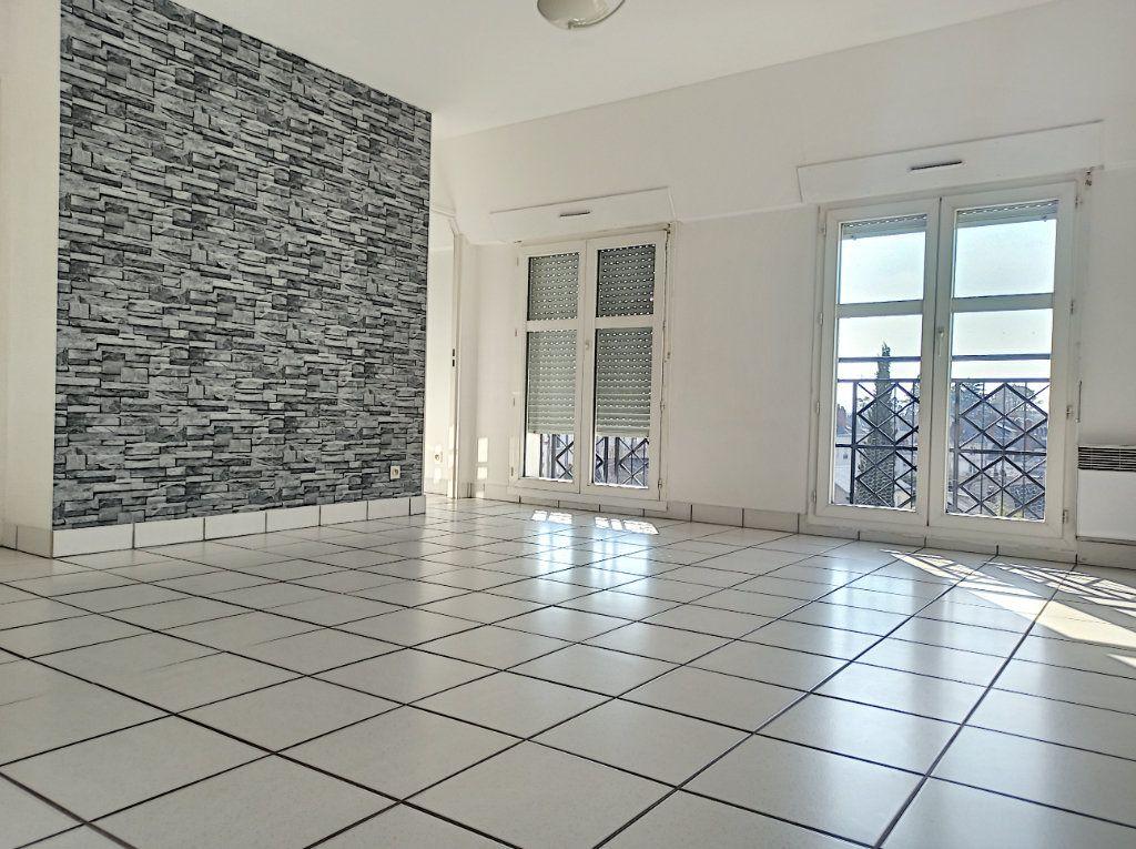 Appartement à louer 2 41.6m2 à Tours vignette-2