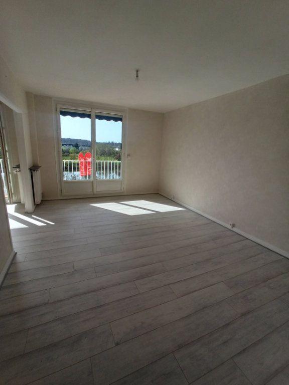 Appartement à louer 4 73.21m2 à Tours vignette-5