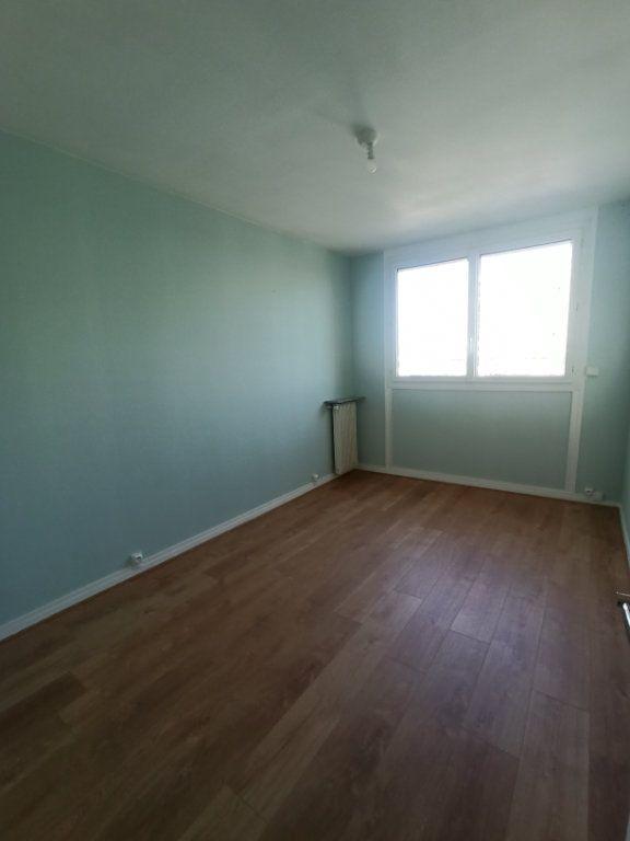 Appartement à louer 4 73.21m2 à Tours vignette-8