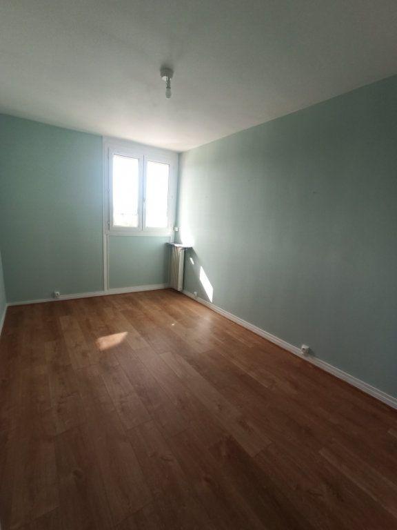 Appartement à louer 4 73.21m2 à Tours vignette-9