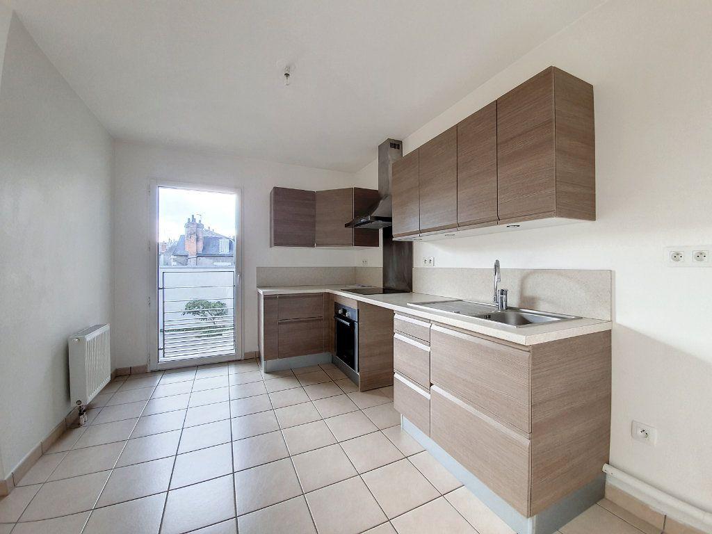 Appartement à vendre 4 81.52m2 à Saint-Cyr-sur-Loire vignette-3