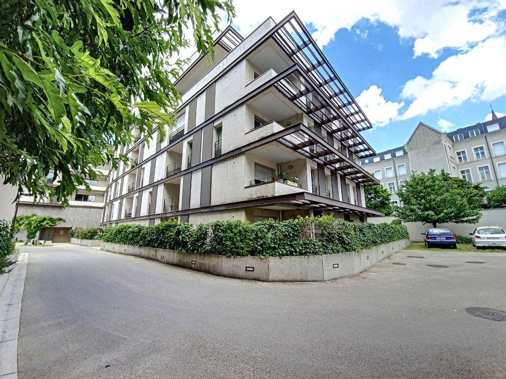Appartement à vendre 4 81.52m2 à Saint-Cyr-sur-Loire vignette-11