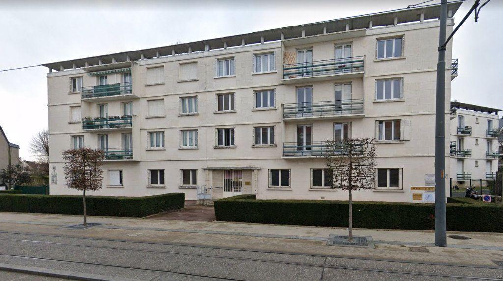 Appartement à louer 3 77.85m2 à Tours vignette-1