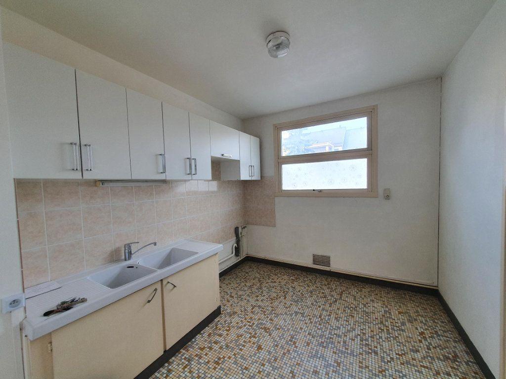 Appartement à louer 3 77.85m2 à Tours vignette-2