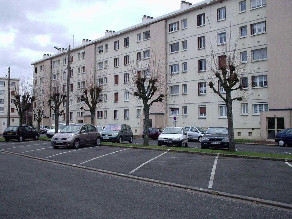 Appartement à louer 4 68.6m2 à Joué-lès-Tours vignette-6