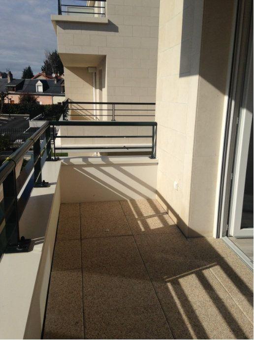 Appartement à louer 2 40m2 à Saint-Cyr-sur-Loire vignette-3