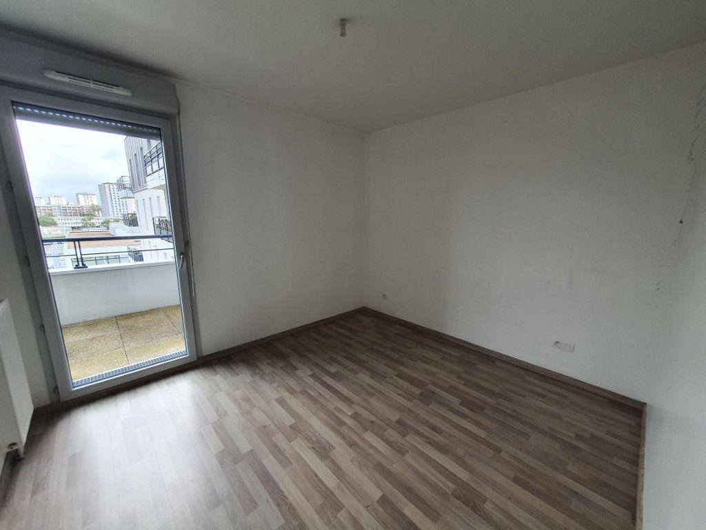 Appartement à louer 4 87.13m2 à Tours vignette-2